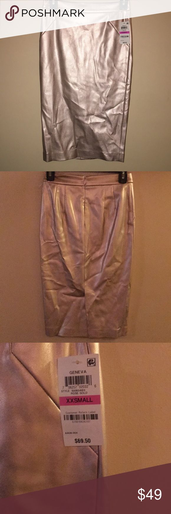 """Bar lll- faux leather rose gold pencil skirt NWT Rose gold faux leather pencil skirt. NWT. Waist 13"""" laid flat length 24"""" Bar III Skirts Pencil"""