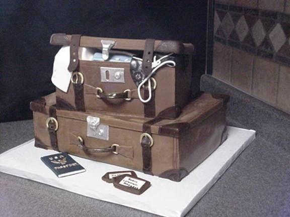 luggage cake1.jpg