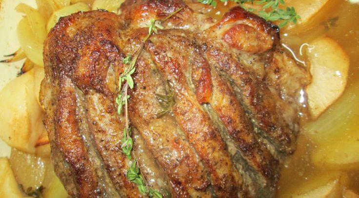 Astăzi vreau să vă ofer o rețetă absolut delicioasă de friptură de porc, care pur și simplu se topește în gură! O să vă ia ceva mai mult timp pentru a o găti, însă vă asigur că rezultatul este peste așteptări de gustos! Carnea iese extrem de fragedă, suculentă și moale în interior și ușor …