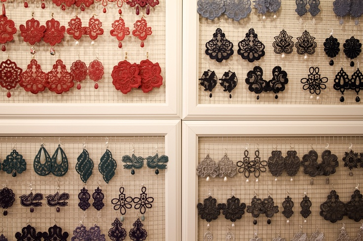 Tità lace earrings in the Milano boutique