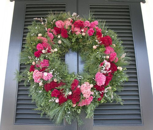 Williamsburg Christmas Decorating Ideas: Colonial Williamsburg Wreath Made Of Dried Flowers And