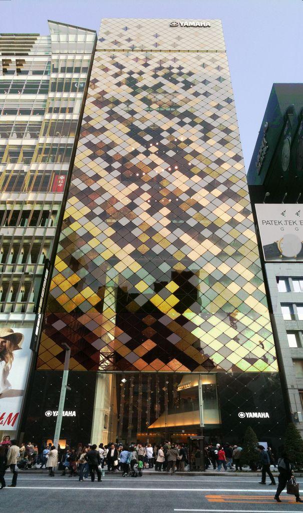 Yamaha Ginza Arquitectos: Nikken Sekkei. Ubicación: Tokio, Japón Proyecto años: 2006-2010.