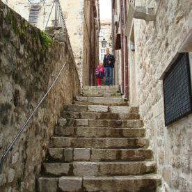 Der var rigtig mange trapper og de var allesammen lange og stejle