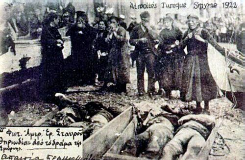 Greek civilians mourn their dead. Smyrna 1922. Photo: American Red Cross.