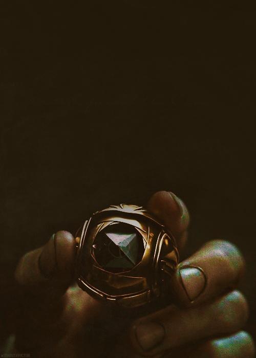"""""""I open at the close"""" Vif D'or Pierre de résurrection (Harry Potter et les Reliques de la Mort)"""