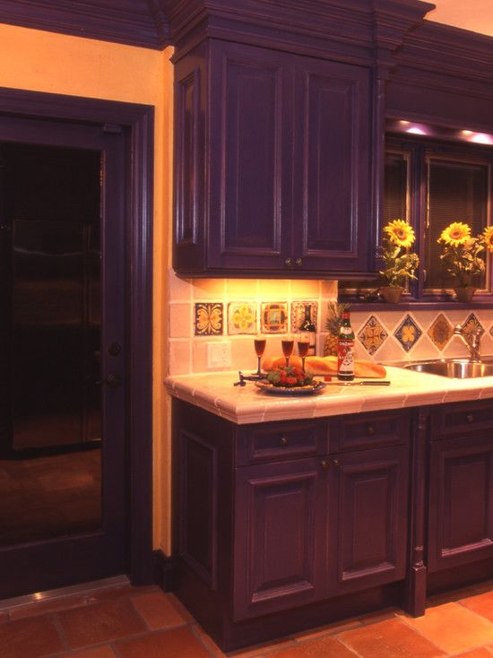Mediterranean kitchen design pictures remodel decor and for Spanish style kitchen backsplash