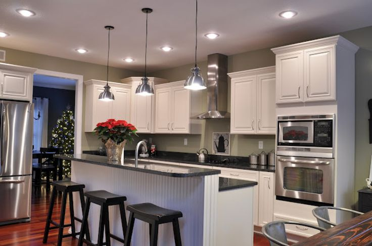 HmmmmDecor, Wall Colors, Dreams Kitchens, S'Mores Bar, House Ideas, Kitchens Ideas, Pendants Lights, White Cabinets, White Kitchens