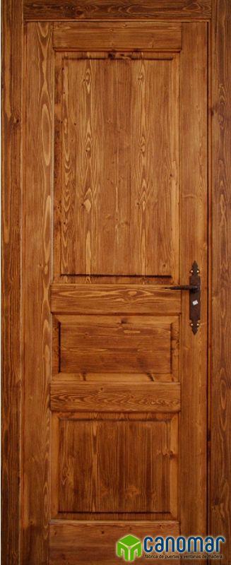 Puerta de interior rústica fabricada en madera maciza de pino certificada medioambientalmente por PEFC y FSC. Nuestro modelo Salamanca incluye cerco, tapetas, bisagras, picaporte y manilla. Todo incluído para instalar sin obras.