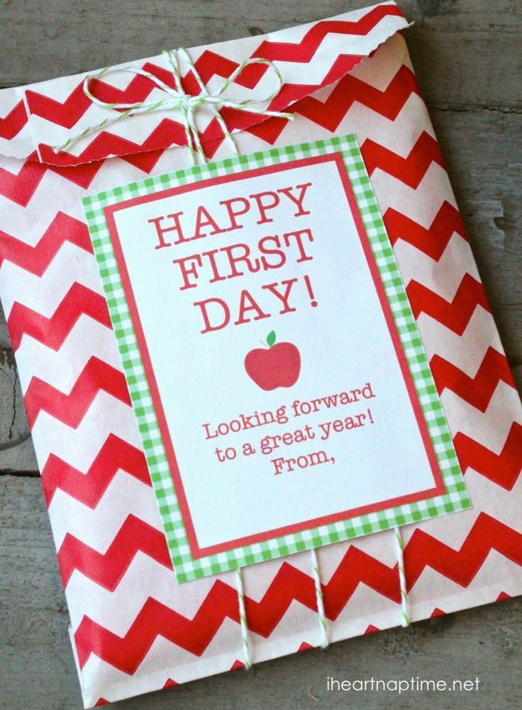 First day of school gift idea with free printable! #backtoschool #teacherappreciation