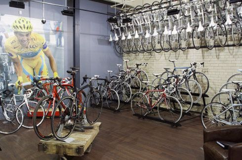 Bike Shop Layouts Google Search Bikes Pinterest