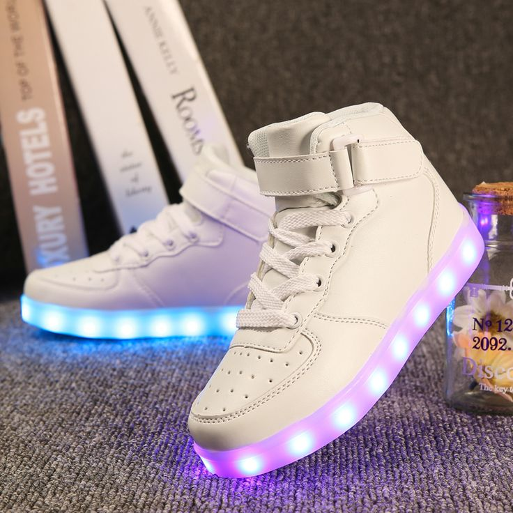 Quality 7 Colors Kids LED Shoes 2017 Autumn Winter High Top Children  Growing Sneakers For Boys Girls Luminous Lights Shoes Solid