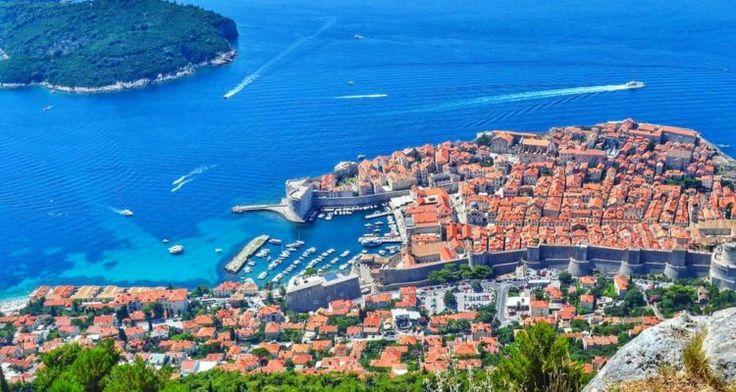 Dubrovnik, cetatea medievală cu plaje și palmieri