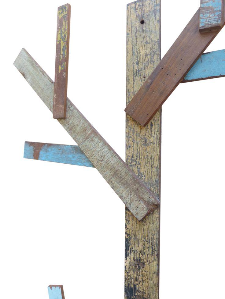 Mobiliario y decoraci n en madera reciclada rbol for Cosas con tarimas de madera