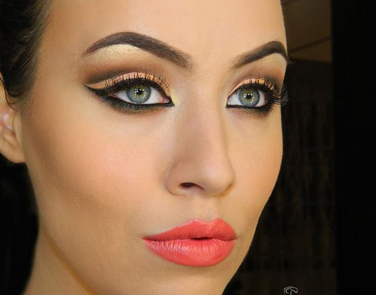 Яркий макияж глаз в домашних условиях