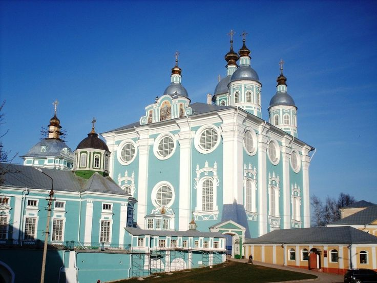 """Smolensk - a city in #Russia. Every year in late September, held in Smolensk Russian film festival """"Golden Phoenix"""". By the day of the birth of composer Glinka Smolyanina traditional """"Glinkovsky decade"""" will be held in late May, early June. Traditional is also the theater festival """"Smolensky Ark"""". Cultural sites of the city: Smolensk State Drama Theater named after A. Griboyedov, Smolensk Oblast Children's Puppet Theater named after DN Svetilnikova, National Theatre drama House of Educators…"""