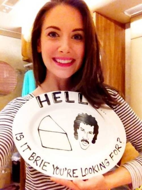 Alison Brie's puntastic tribute to Lionel Richie WHAT IS BETTER THAN THIS!? #community