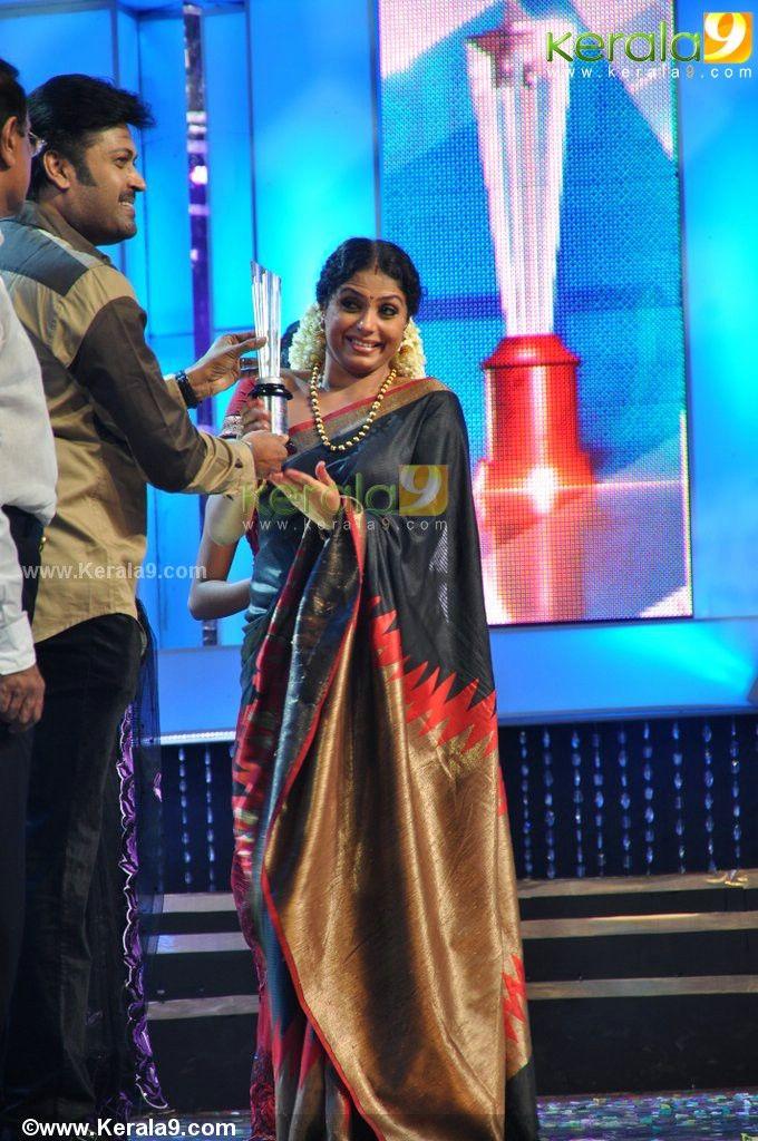 asianet tv award 2013 gold star of the year asha sarath photos 325 - Kerala9.com