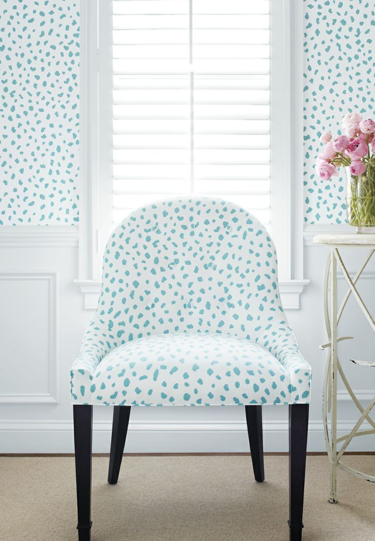 Tanzania wallpaper in turquoise. Thibaut