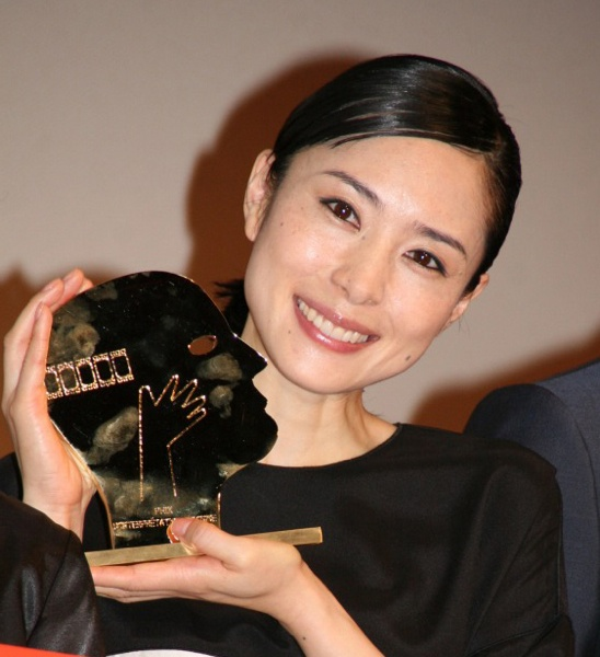Eri Fukatsu / smiling