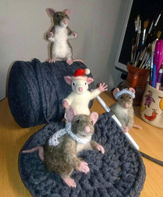 Needle felted Mouse. Needle felted Rat. Mouse with heart.