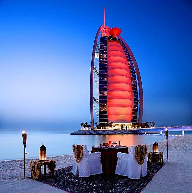 beach dinner on a Dubai Burj al Arab