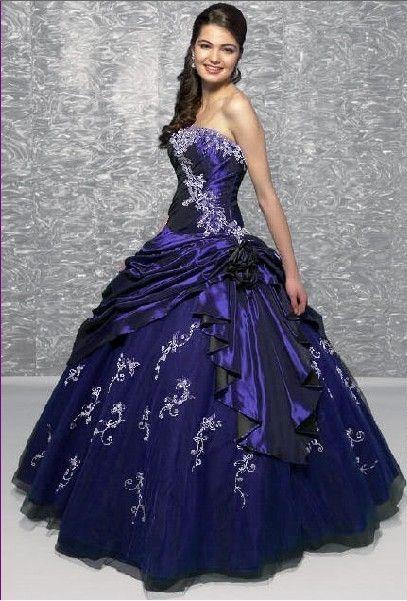Blauwe bruidsjurk, blauwe trouwjurk.                                                              Simone