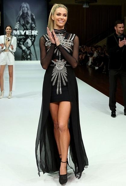 Jennifer Hawkins rocks a Sass & Bide creation for MYER Autumn / Winter 2013 Fashion Show @sass_and_bide