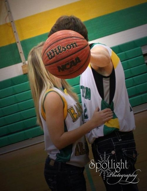 Ahh! My future boyfriend and I need to take this picture!! #love