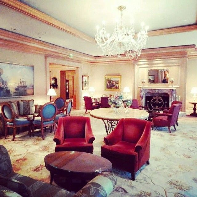 Lobby lounge bar at The Ritz-Carlton Cleveland #travel