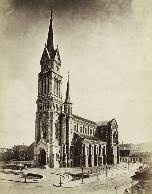 Bakáts tér, Assisi Szent Ferenc-templom. A felvétel 1879 körül készült. A kép forrását kérjük így adja meg: Fortepan / Budapest Főváros Levéltára. Levéltári jelzet: HU.BFL.XV.19.d.1.06.047