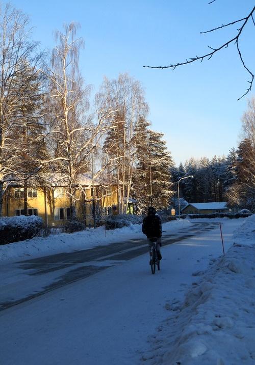 cycling, photo Taina Tervonen