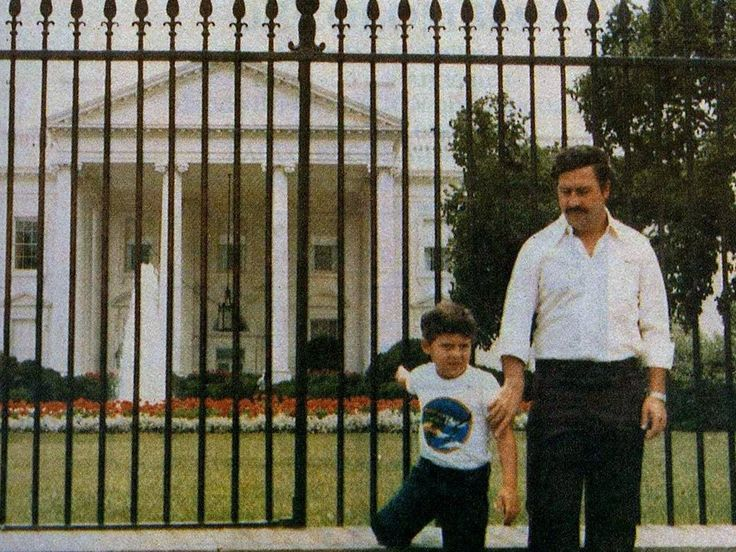 Pablo Escobar and his son in front of the White House