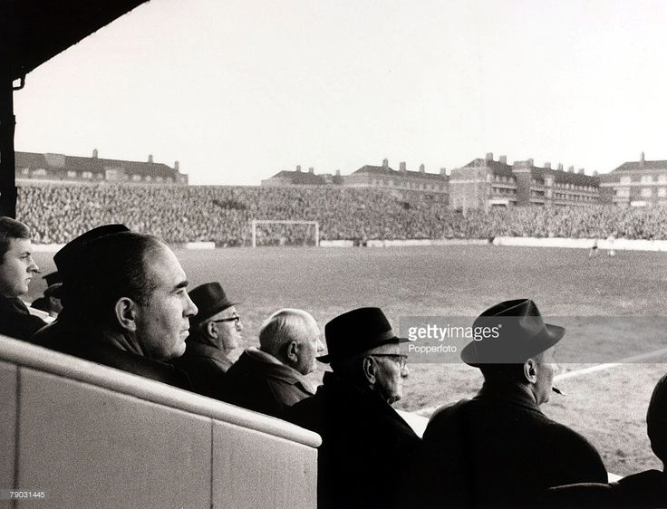 Sport/Football, Loftus Road, London, England, 31st December 1966, Queens Park Rangers v Watford, England Manager Sir Alf Ramsey (foreground, left) watches the match  (Photo by Popperfoto/Getty Images)