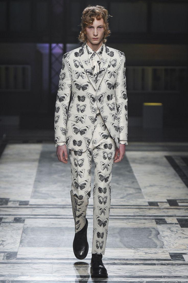 YAS - Alexander McQueen Fall 2016 Menswear Fashion Show