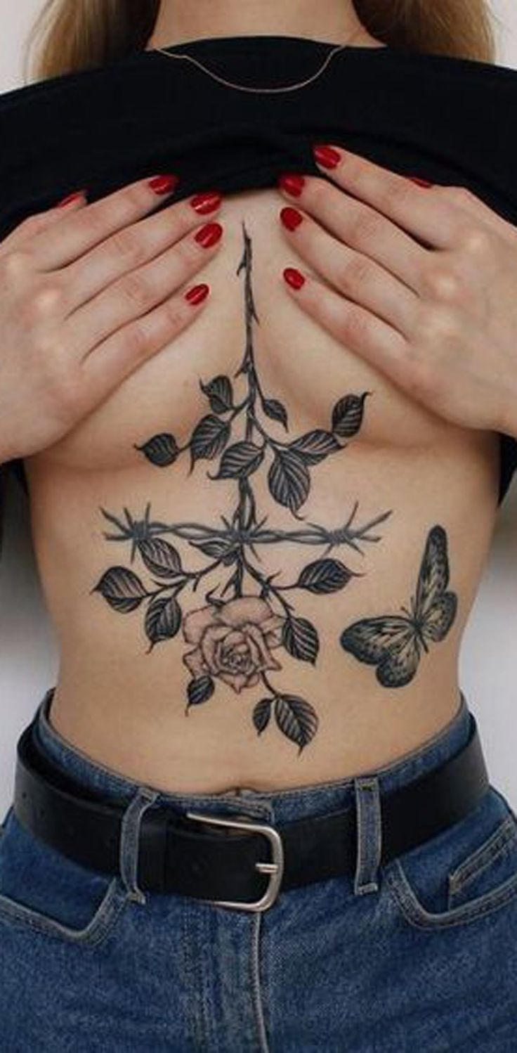 Realistic Large Rose Sternum Tattoo Ideas for Women - Nature Leaf Chest Rib Tat -  ideas grandes del tatuaje de la costilla color de rosa para las mujeres - www.MyBodiArt.com