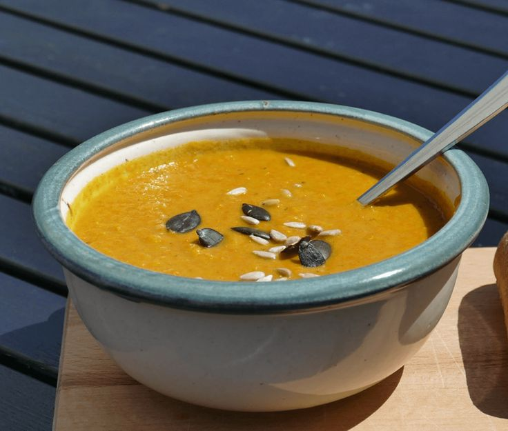 Zin in een lekker en gezond soepje als lunch? Maak deze pittige kerriesoep met broccoli! ✓ 100% natuurlijk ✓ Koolhydraatarm ✓ Snel klaar