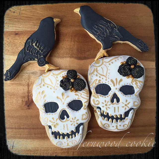 Skull Raven Halloween Cookies   Fernwood Cookie