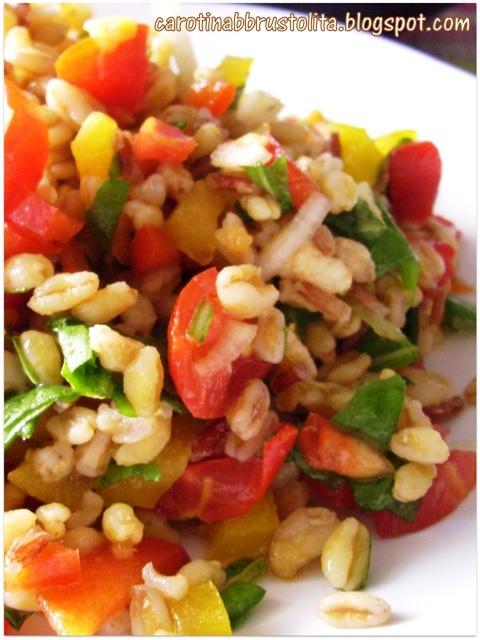 Cereali con verdure e salsa di soia