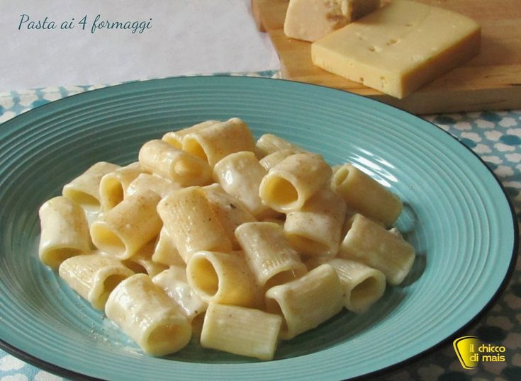 PASTA AI 4 FORMAGGI #pasta #formaggio #cheese #macandcheese #italianrecipe #italy #italianfood #foodporn #ilchiccodimais http://blog.giallozafferano.it/ilchiccodimais/pasta-ai-4-formaggi-ricetta-veloce/
