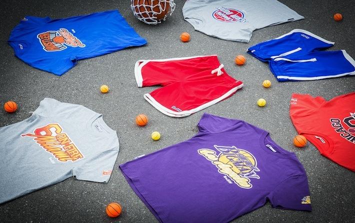 Le stampe delle t-shirt della nostra private label BeAW, sono dedicate ai campi da basket e a tutti i loro appassionati. In tanti colori, e puro cotone, sono disponibili in tutti gli store AW LAB e sul nostro shop online, dove trovate anche i pantaloncini, per completare l'abbigliamento da vero giocatore.