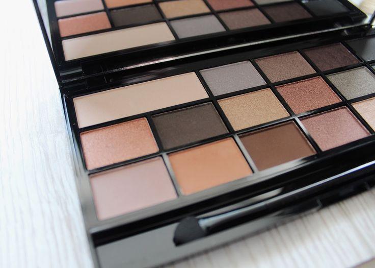Makeup Revolution I ♡ Makeup Naked Underneath Eyeshadow Palette