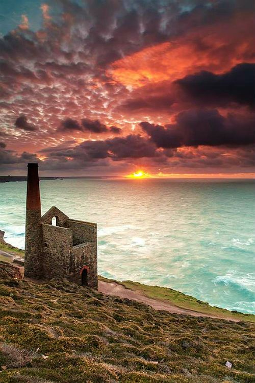 Sunset over Wheal Coates