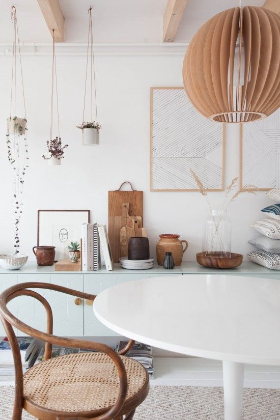 Bentwood chair + white tulip table