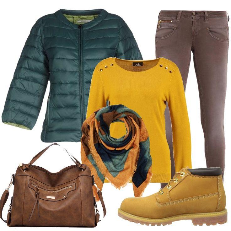 Outfit che ricorda i colori delle foglie in autunno: giubbotto verde in tessuto tecnico, collo tondo, monopetto, zip, multitasche, abbinato a jeans slim fit moka, vita bassa, tasche. Maglione ocra, scollo tondo, motivo di bottoni; borsa a spalla marrone, stivaletto in pelle giallo, con lacci, punta tonda, sciarpa multicolore.