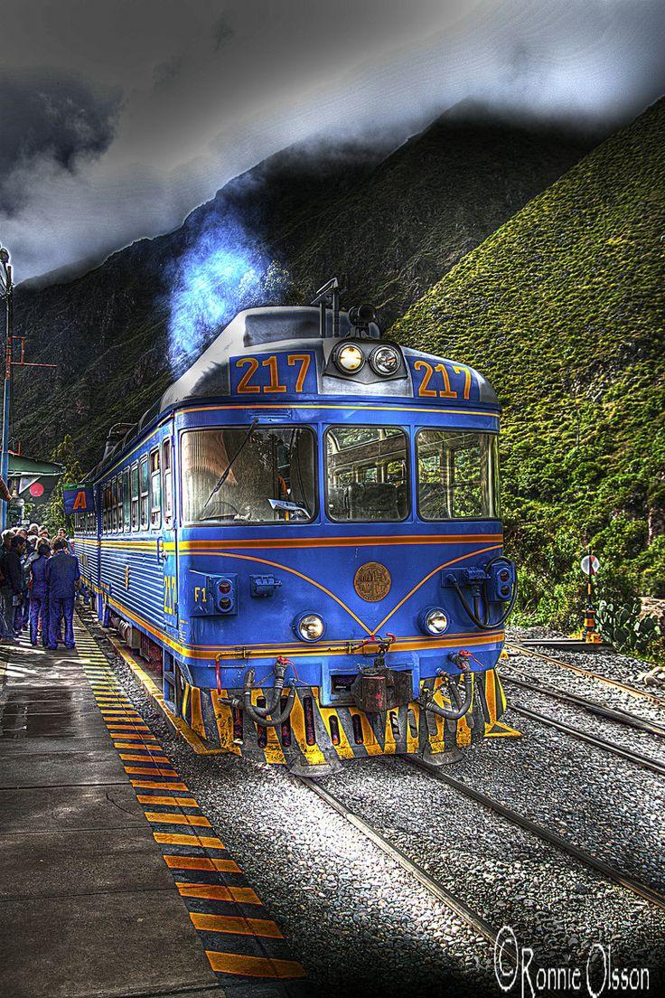 Peru - way to Machu Picchu.   #RESPONSibleTravelPeru #Peru #MachuPicchu   http://www.responsibletravelperu.com/