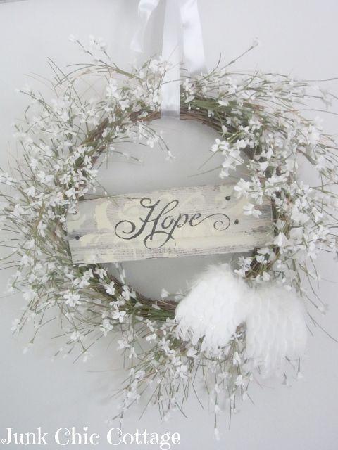 ۞ Welcoming Wreaths ۞ DIY home decor wreath ideas - Junk Chic Wreath