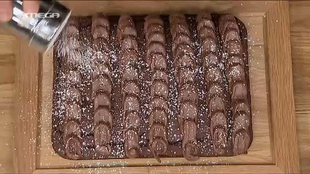 Βρείτε εύκολες συνταγές με video από τον Άκη Πετρετζίκη.