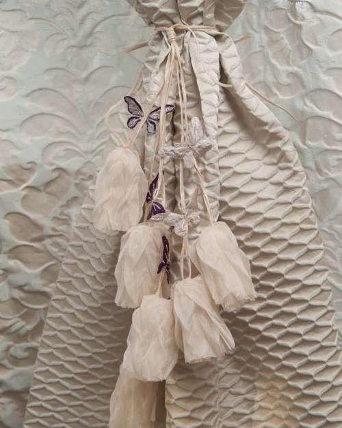 Perdele și draperii la comandă :: Flori decorative pentru perdele si draperii :: Spring :: Accesoriu de prindere floricele cu fluturasi, crem