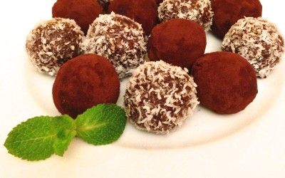 Raw Vegan Chocolate Truffles. They're so yummy :)