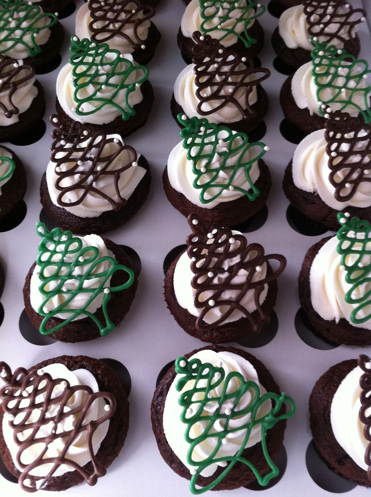 Cupcakes! - piped chocolate Christmas trees